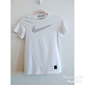 Nike Pro Woman's Top Size Large
